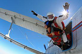 EMPURIABRAVA - Saut en Parachute