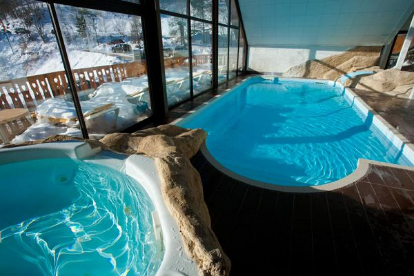 Pra loup pension compl te en h tel club avec piscine et for Piscine isola 2000