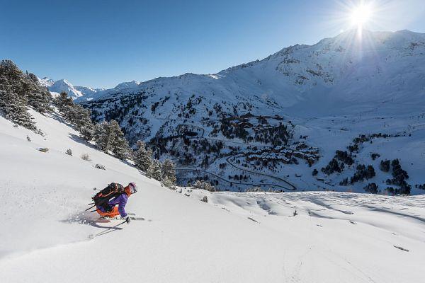 Vacances ski tudiant arc 1800 tout compris h bergement for Piscine arc 1800